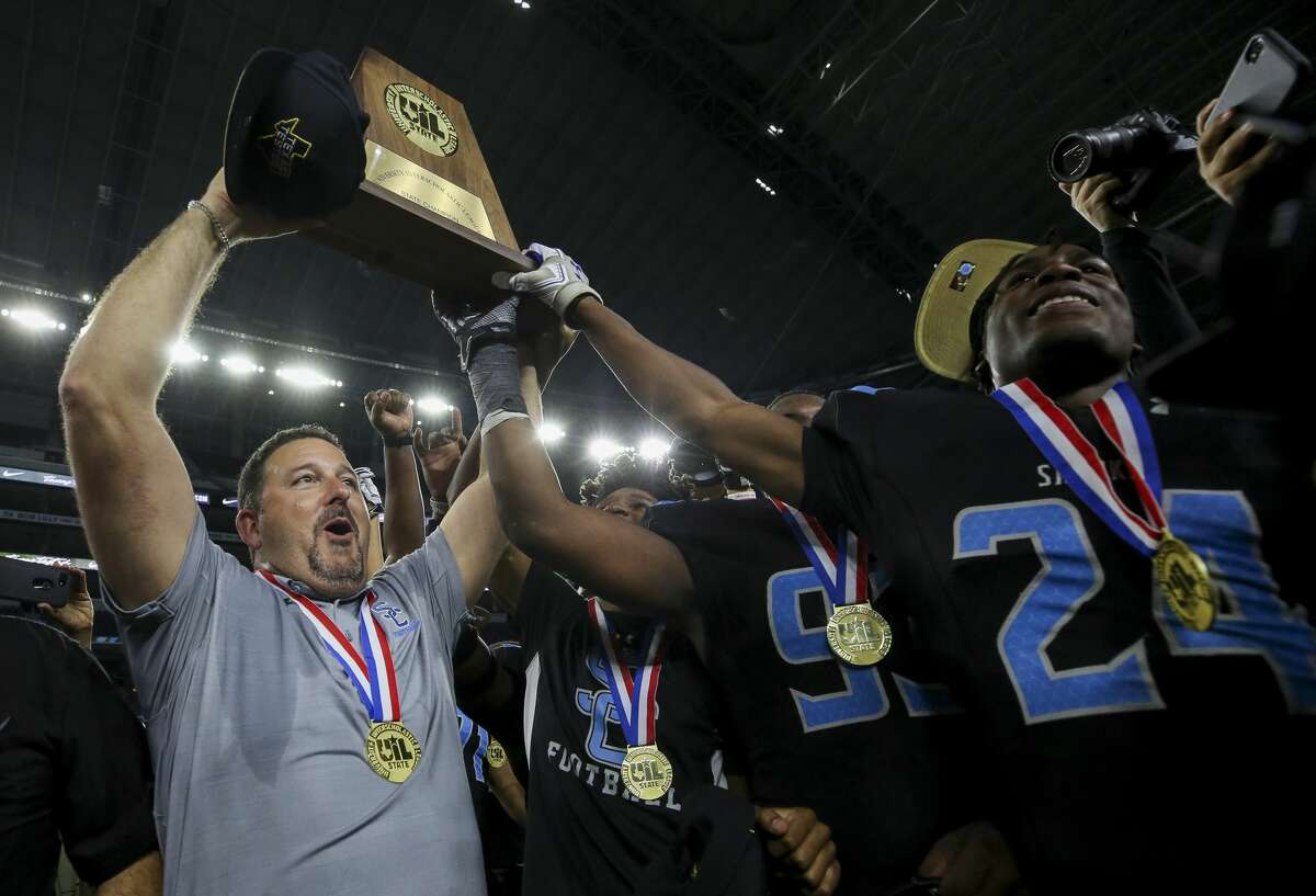 In its first two years of varsity play, Shadow Creek went 31-1, capped by last year's 5A Division I state championship. The Sharks move up to Class 6A this season