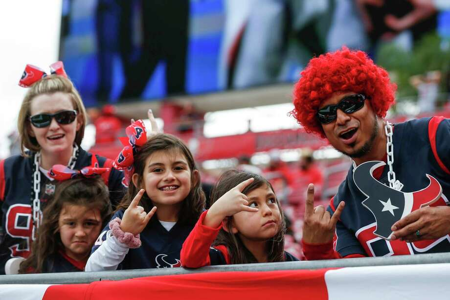 texans fans in tampa for game against buccaneers stamfordadvocate stamford advocate