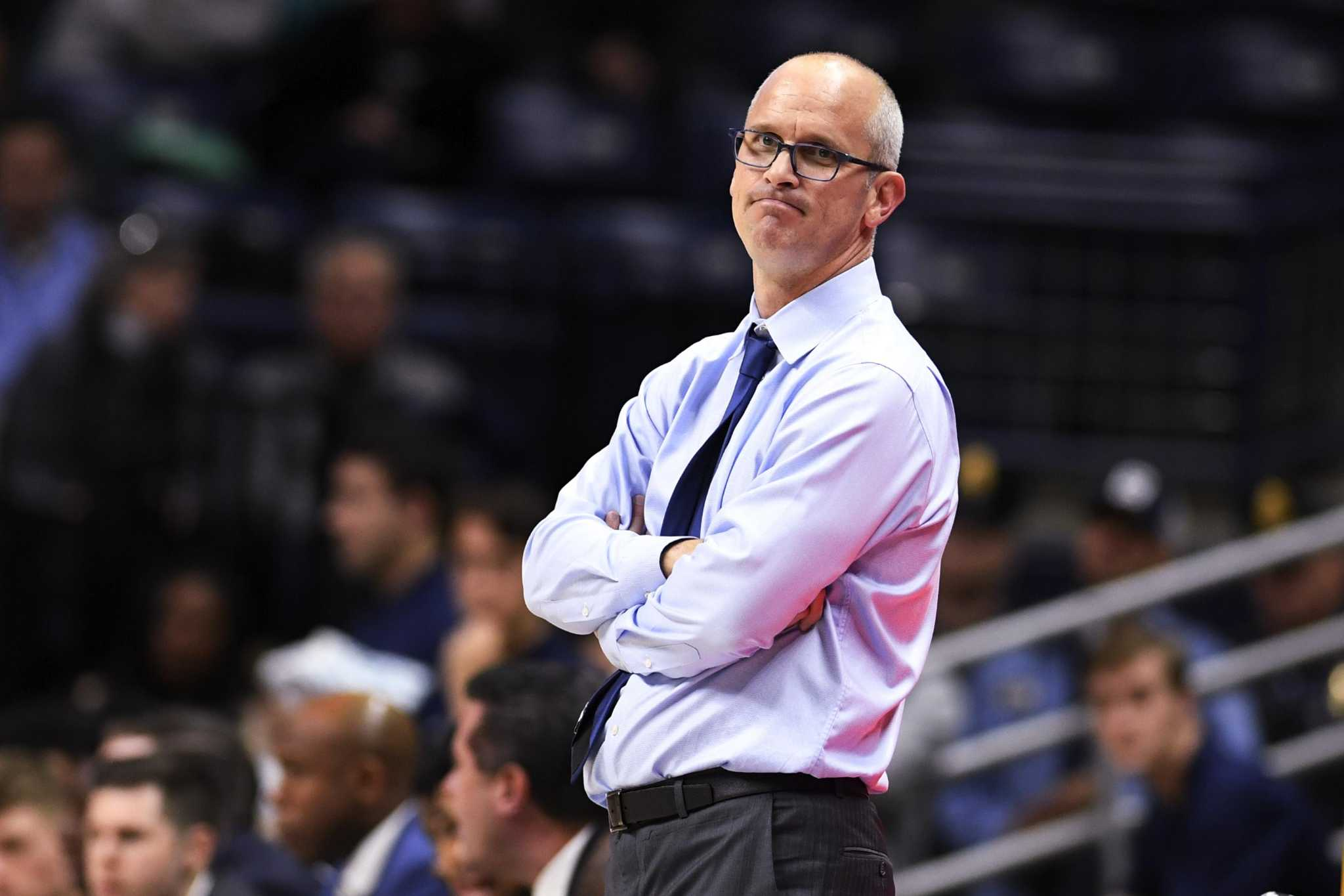 UConn men rally but fall late to SMU