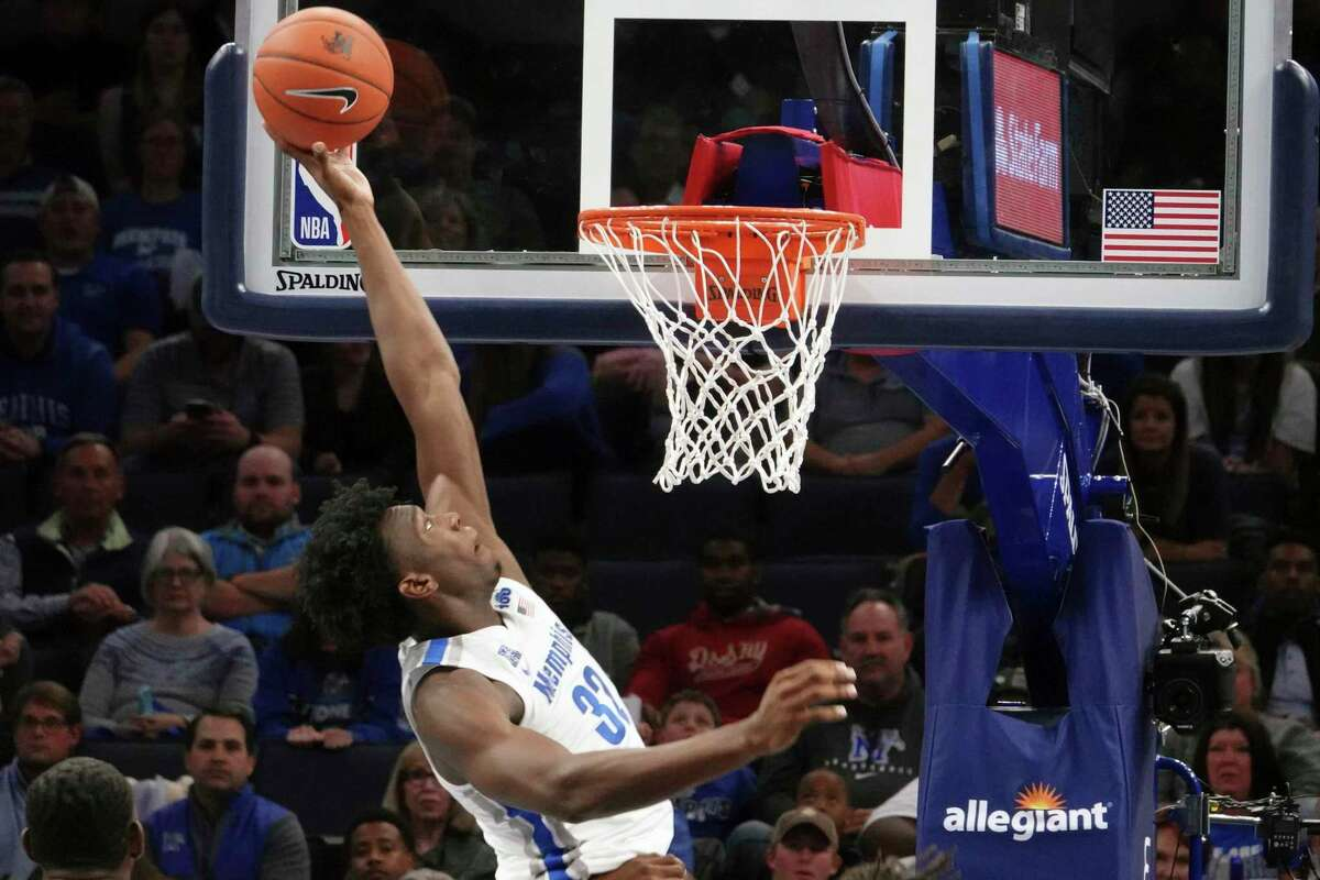 Memphis' James Wiseman dunks against South Carolina State on Nov. 5.