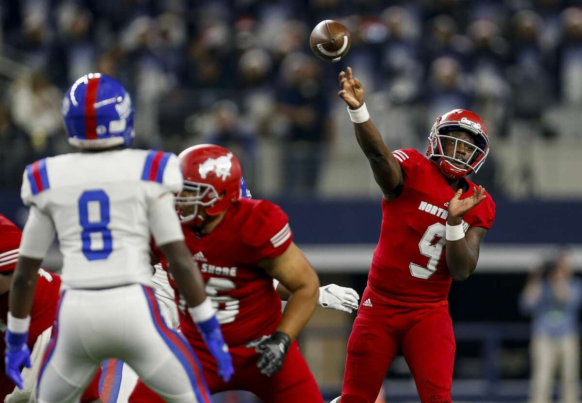 North Shore quarterback Dematrius Davis (9) throws the ball against Duncanville during the first quarter of the UIL 6A Division 1 State Championship at AT&T Stadium Saturday, Dec. 21, 2019, in Arlington, Texas.