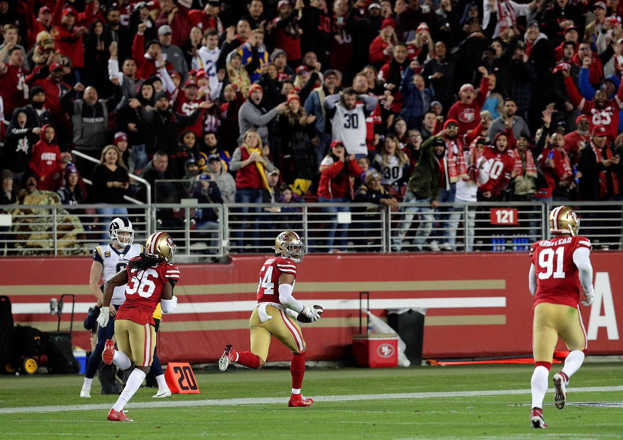 49ers deliver tense, error-filled win over Rams