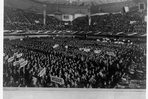 Delegates gathered in a large convention hall in San Francisco for the 1920 Democratic National Convention.