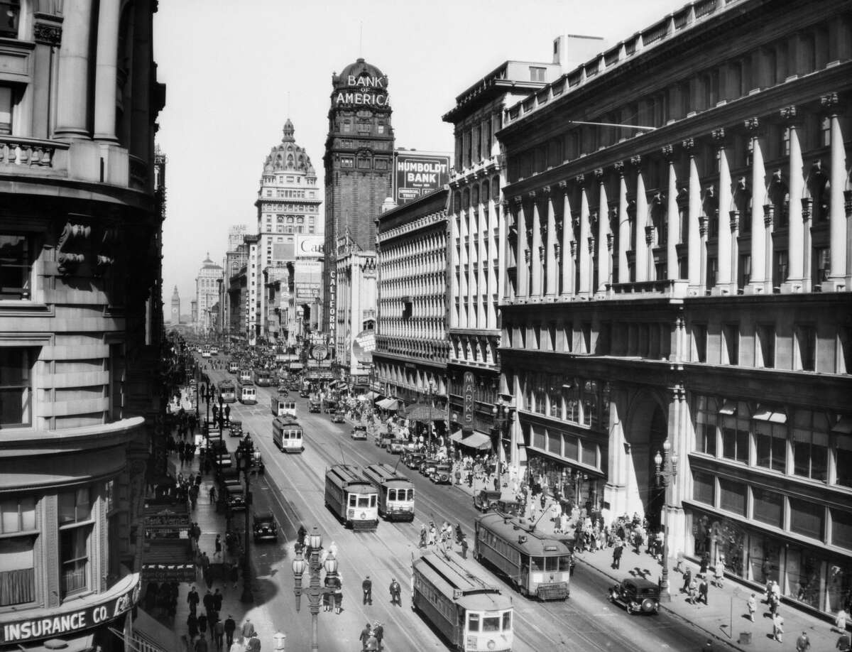 Market Street from Powell, looking down toward San Francisco's Ferry Building in 1920.