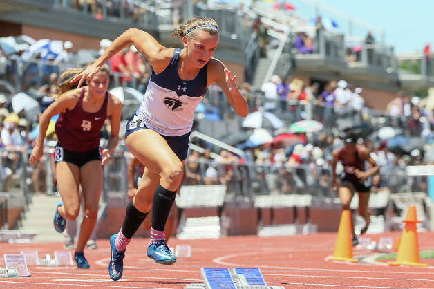 Boerne Champion's Layne Bolli leaves the blocks in the 5A girls 400-meter dash during the second day of the Region IV-6A/5A track and field meet at Heroes Stadium on Saturday, April 27, 2019. Bolli won the event with a time of 56.50 seconds. Photo: Marvin Pfeiffer / Express-News 2019