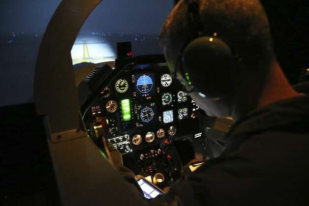 2nd Lt. Bradley Dubuque faces a night screen on his T-6 simulator during pilot training at Laughlin AFB on Oct. 2, 2019. Photo: Tom Reel/Staff Photographer