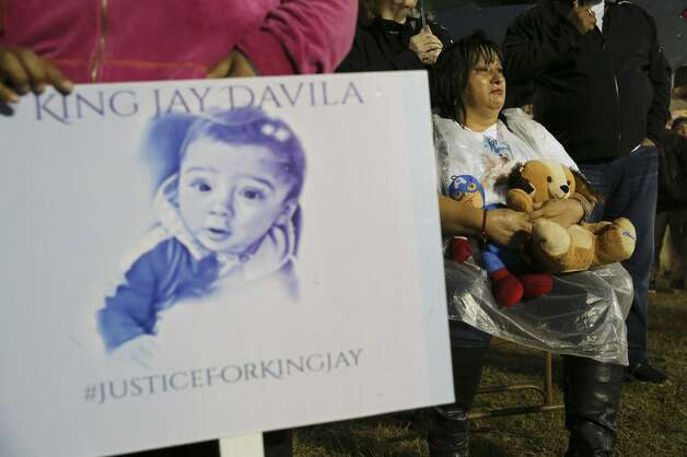 Nancy Aguirre appears despondent as she hold onto a pair to stuffed animals that she brought to a prayer vigil for King Jay Davila, the 8-month-old baby who has been missing for nearly a week, on Friday, Jan. 11, 2019 in Monterrey Park. Photo: Kin Man Hui/San Antonio Express-News