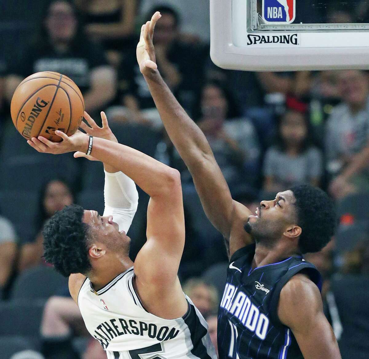 Guard Quinndary Weatherspoon underwent a left knee cartilage debridement Tuesday, the #Spurs announced.