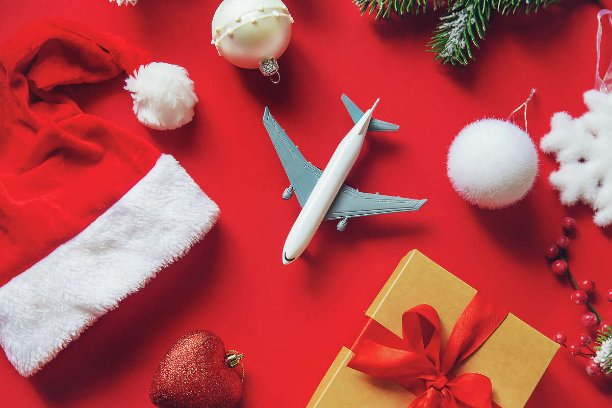 Reasons to love flying on Christmas Day.