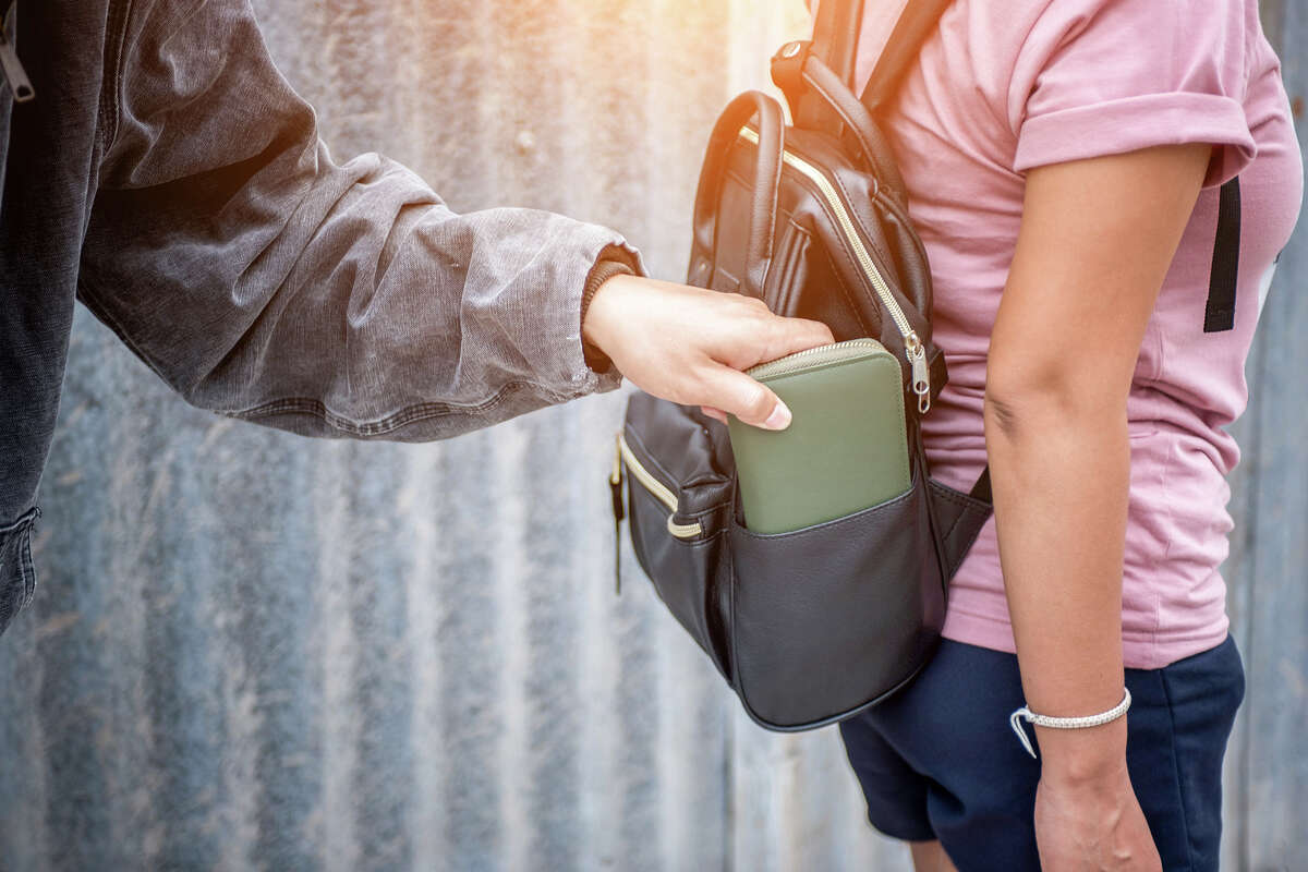 Pickpocketing happens all too often on public transit.  Here are some tips to help avoid an unfortunate situation.