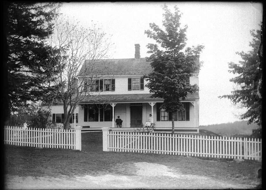 The home of Clifford Hough at 102 East Street in Washington, circa 1900. Photo: Gunn Historical Museum / Contributed Photo