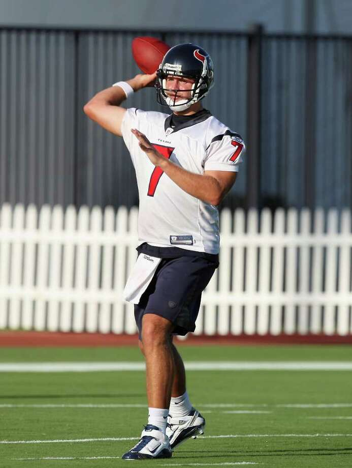 HOUSTON - JULY 30:  Quarterback Dan Orlovsky #7 of the Houston Texans throws passess during the team's first NFL training camp practice of the season at Reliant Park on July 30, 2010 in Houston, Texas.  (Photo by Bob Levey/Getty Images) *** Local Caption *** Dan Orlovsky Photo: Bob Levey, Getty Images / 2010 Getty Images