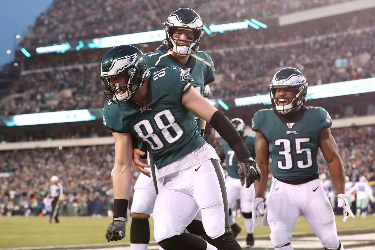 HOME: Philadelphia Eagles (9-7)