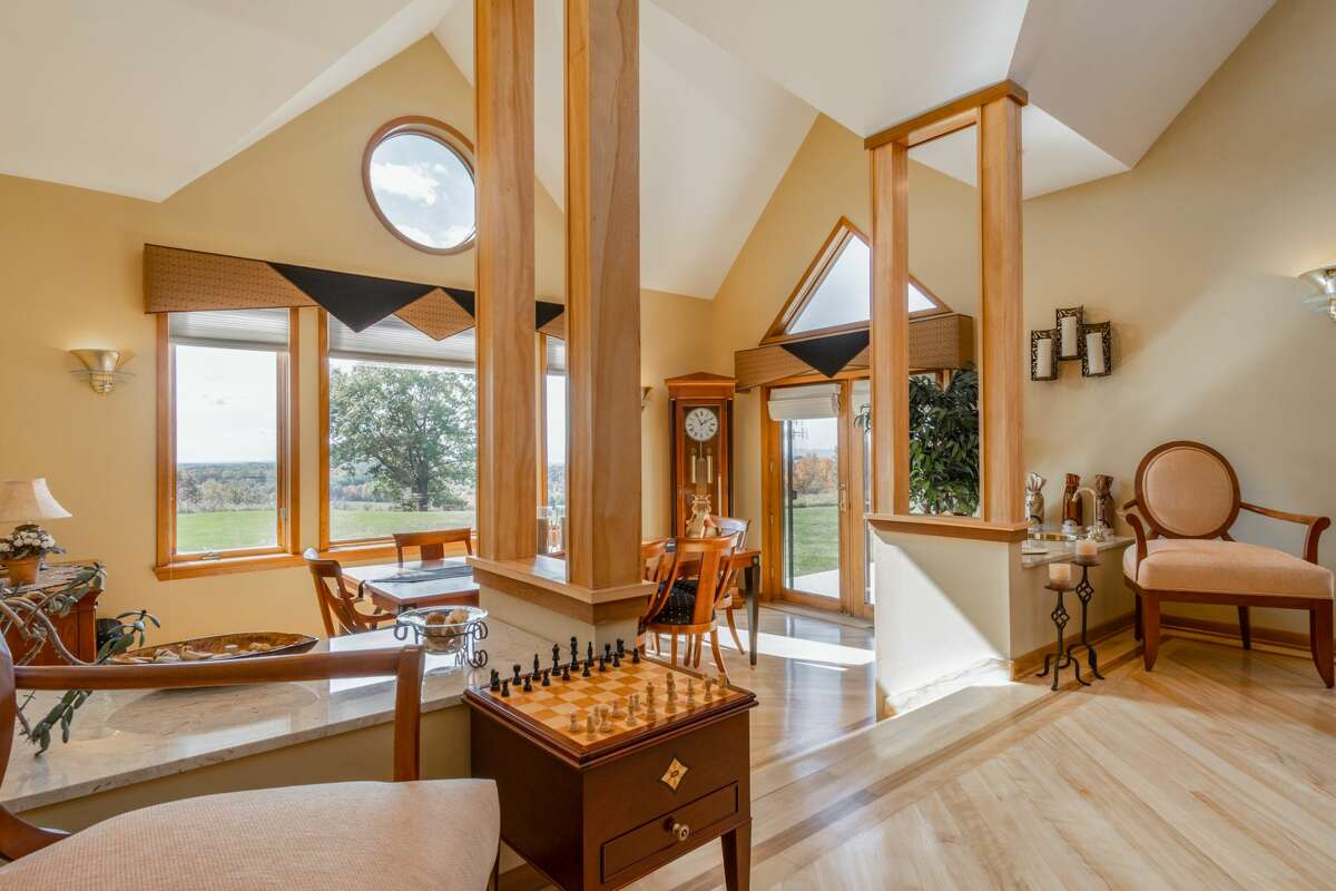 House of the Week: 16 Timberland Drive, Sand Lake | Realtor: Steven Girvin of Better Homes and Gardens Tech Valley | Discuss: Talk about this house