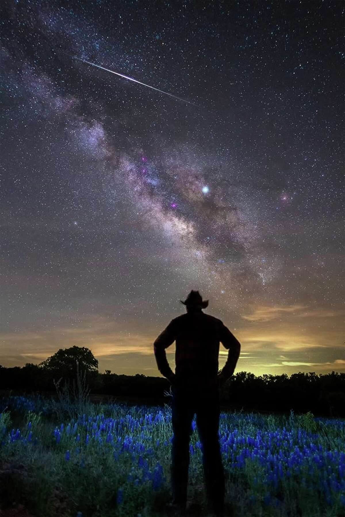 Meteor shower drought comes to an end When: April 22-23, May 6-7 After the Quadrantids peak in early January, stargazers will need to wait more than three months for the next opportunity to see a meteor shower, with the Lyrids peaking on the night of April 22 into the early morning hours of April 23. Folks won't need to wait nearly as long for another meteor shower to put on a dazzling display in the night sky, with the Eta Aquarids peaking just two weeks later. This is one of the best meteor showers of the year for the Southern Hemisphere that is known to produce up to 60 shooting stars per hour.