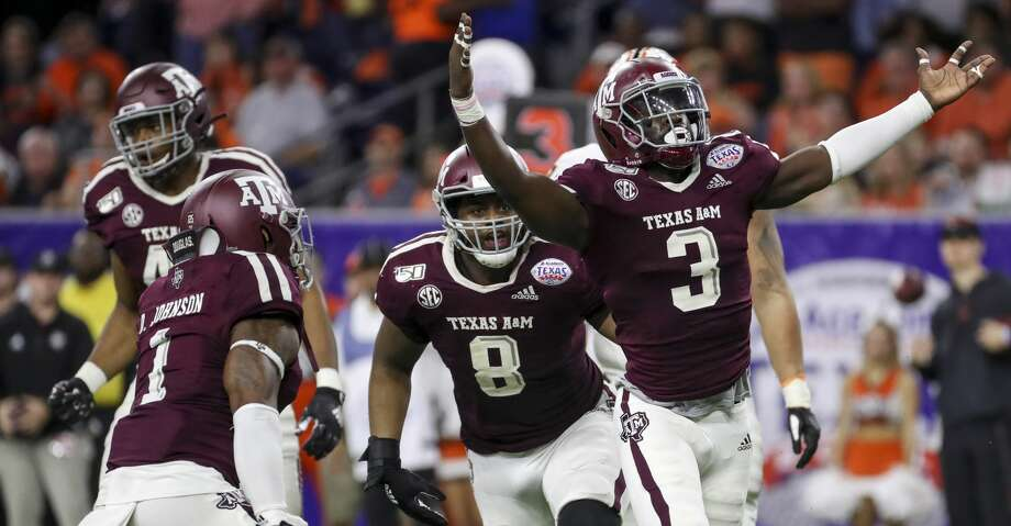 PHOTOS: Each conference's record during college football bowl season Texas A&M picked up a win for the SEC by beating Oklahoma State in the Texas Bowl at NRG Stadium. Browse through the photos above for a look at how each conference did this bowl season ... Photo: Jon Shapley/Staff Photographer