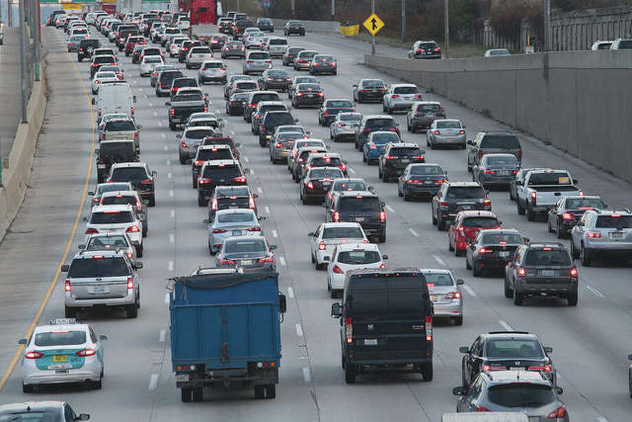 Vehicles move along an interstate in Illinois. State transportation officials say Illinois could end the year with fewer than 1,000 traffic deaths — something that hasn't happened for several years. Photo: Patrick Gorski | NurPhoto (Getty Images)