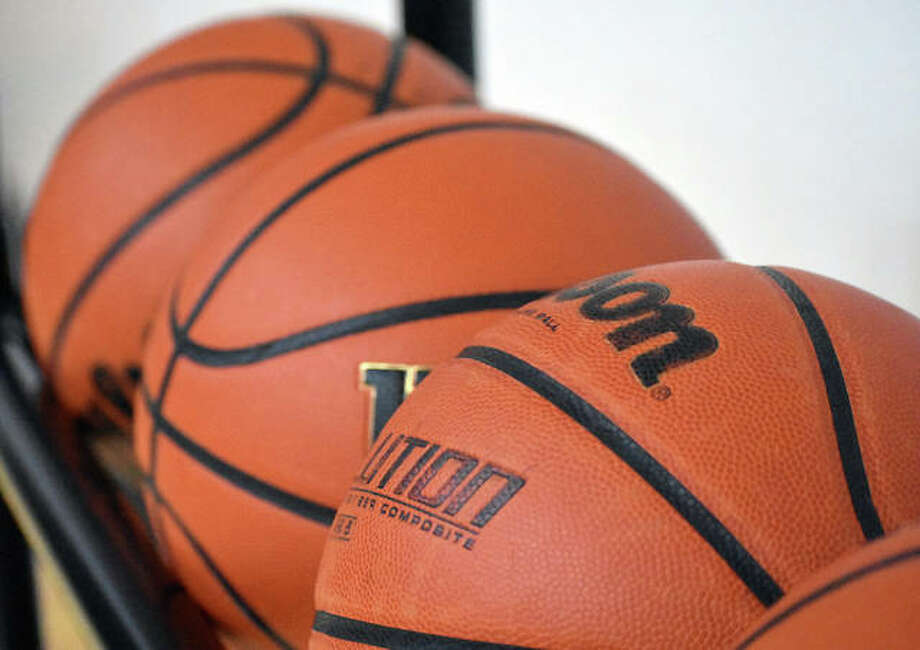 Basketball Photo: Matt Kamp|The Intelligencer