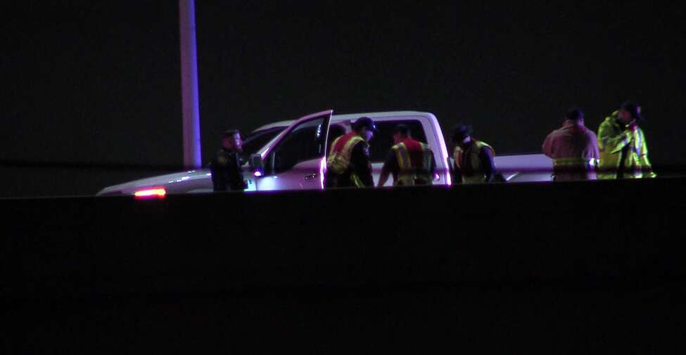 San Antonio police investigate a shooting on the Northeast Side that left one man in hospitalized in critical condition Saturday, Dec. 28, 2019.
