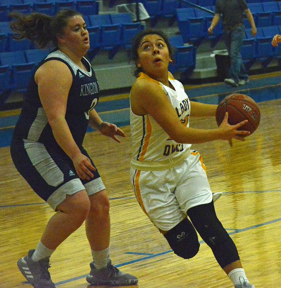 Vanessa Calderon totaled 14 points against Kingdom Prep and added 18 against Happy to lead the Hale Center girls basketball team to a pair of wins in the inaugural Hale Center Booster Club Holdiay Varsity Tournament. Photo: Nathan Giese/Planview Herald