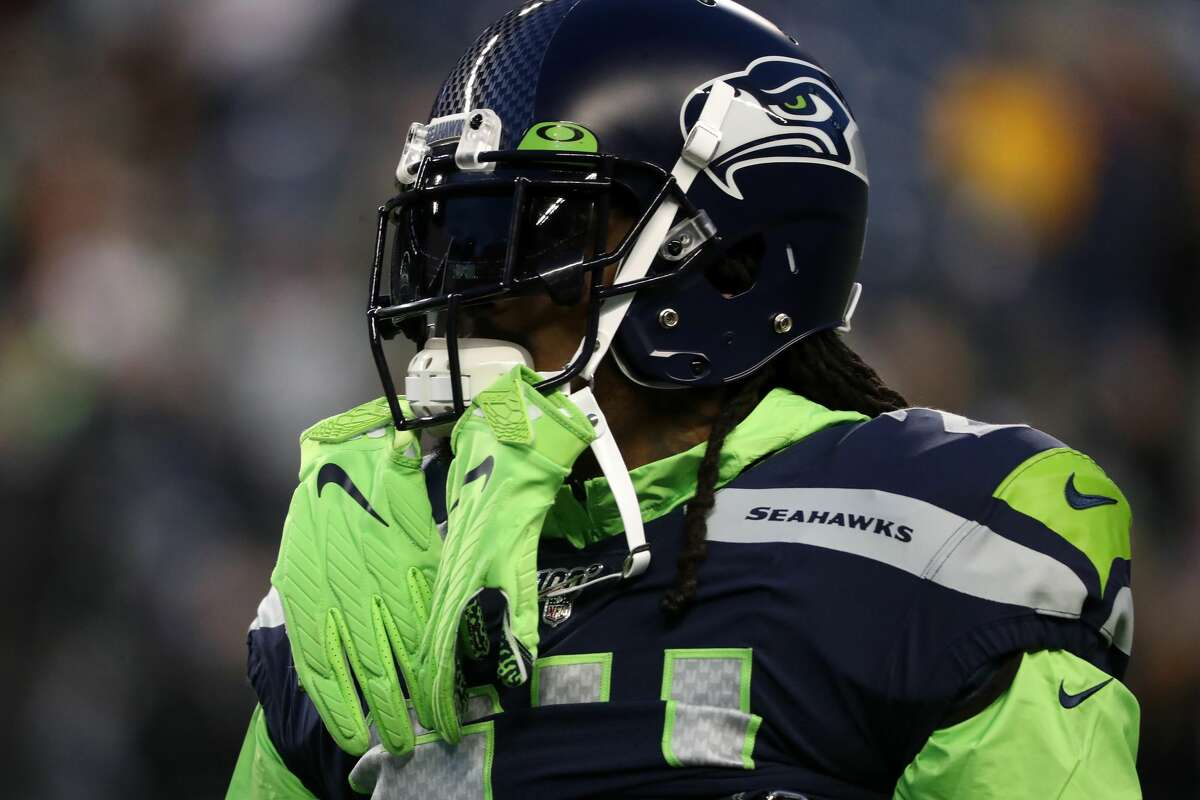 Running back Marshawn Lynch #24 of the Seattle Seahawks warms up before playing against the San Francisco 49ers during the game at CenturyLink Field on December 29, 2019 in Seattle, Washington.