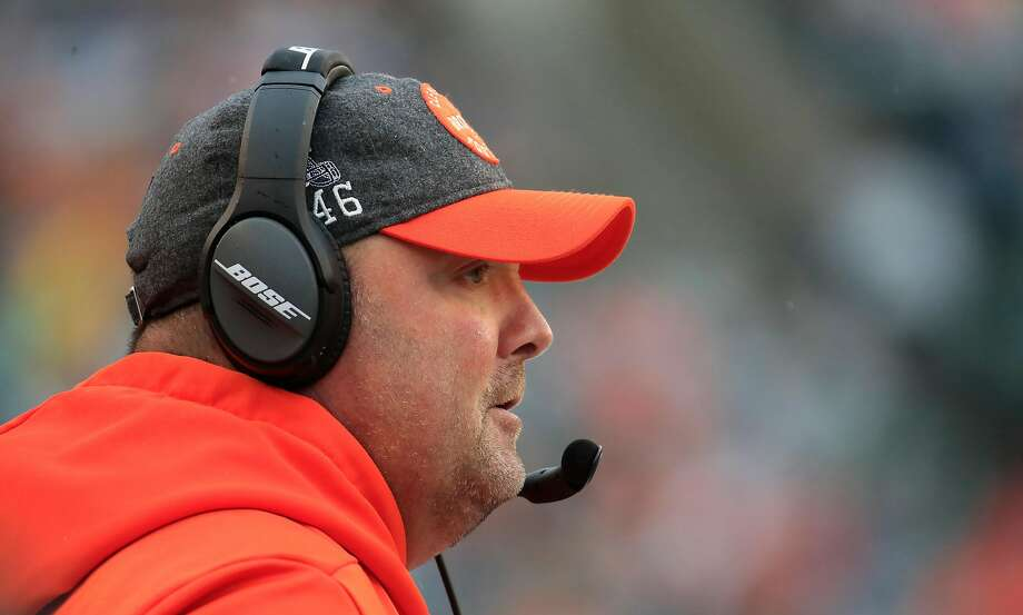Freddie Kitchens watches during his final game as the Browns head coach, a 33-23 loss to the Bengals in Cincinnati. Photo: Andy Lyons / Getty Images