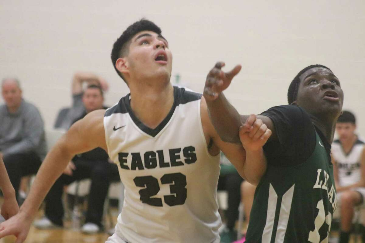 Eric Medina Jr Christmas Classic Basketball 2020 Pasadena Eagles finish Medina Memorial Christmas Classic with 51