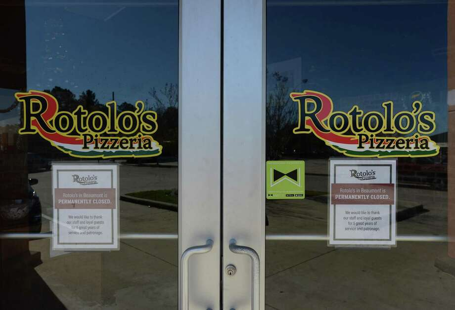 Rotolo's Pizzeria on Dowlen Road recently posted signage announcing its closure. The eatery was open for 5 years. Photo taken Monday, December 30, 2019 Kim Brent/The Enterprise Photo: Kim Brent / The Enterprise / BEN
