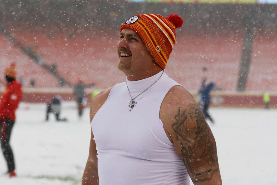 Kansas City Chiefs' Andrew Wylie enjoys the snowfall prior to a Dec. 15, 2019 game against the Denver Broncos at Arrowhead Stadium in Kansas City, Mo. Photo: Getty Images / ©Icon Sportswire (A Division of XML Team Solutions) All Rights Reserved