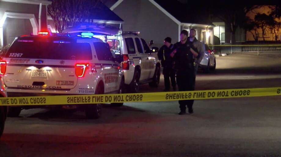 Harris County Sheriff's Office deputies investigate a deadly home invasion shooting in the 8500 block of Easton Commons Drive on Monday, Dec. 30, 2019. Photo: OnScene.TV