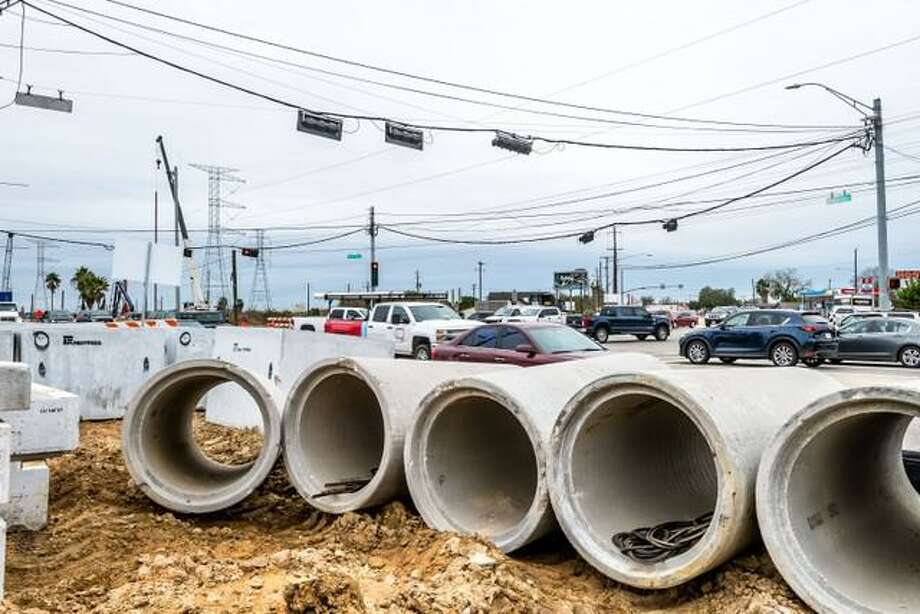 It's a mess now, but the city of Seabrook envisions that Texas 146 will be a draw for new businesses once an expansion project is completed in several years.