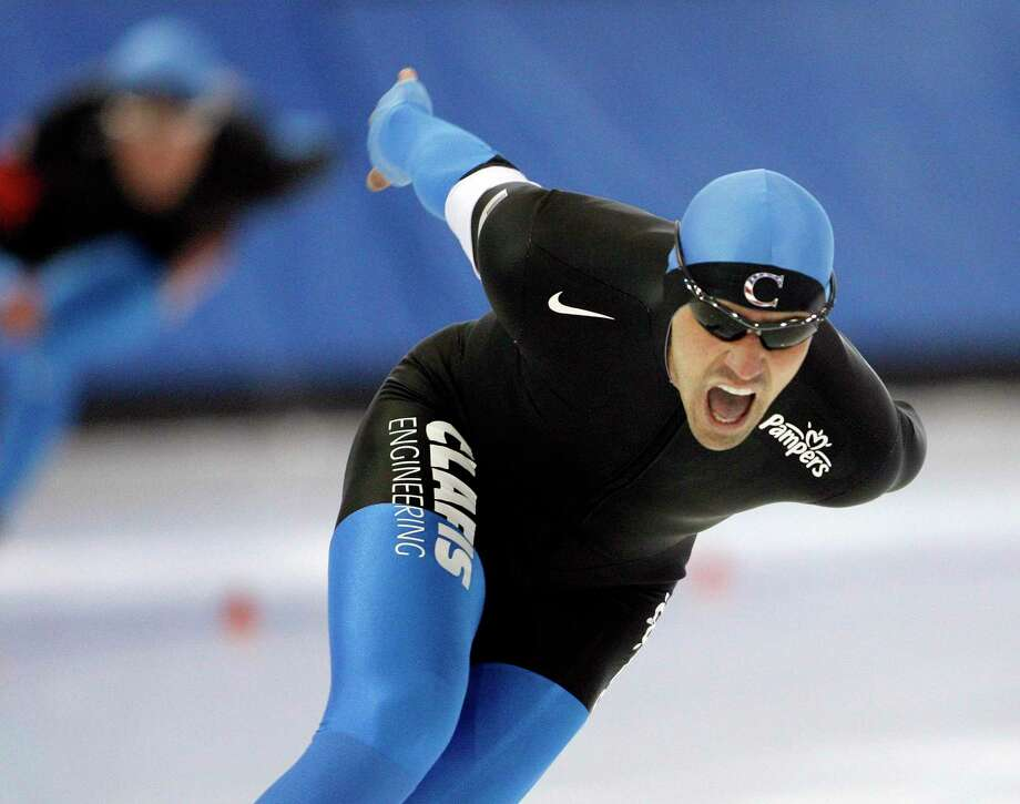 United States' Chad Hedrick skates to a first place finish in the men's 1,500-meter event at the US Olympic speedskating trials at the Utah Olympic Oval in Kearns, Utah, Tuesday, Dec. 29, 2009. (AP Photo/Steve C. Wilson) Photo: Steve C Wilson, FRE / AP / FR33188 AP