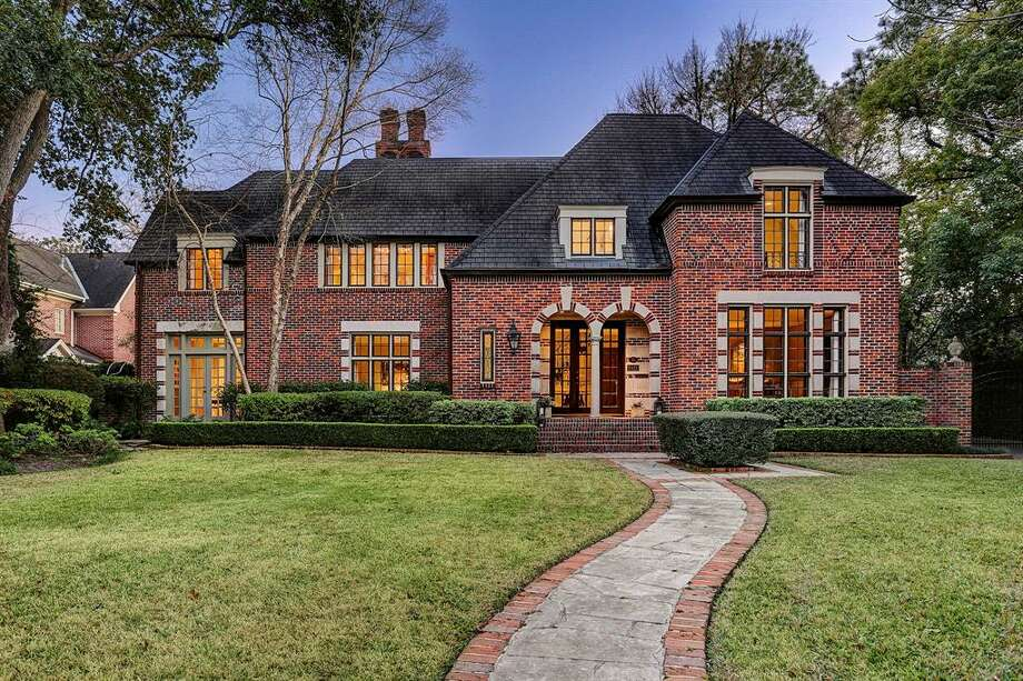 2421 Brentwood DriveList price: $3.595 million4 bedrooms, 5 full and 1 half bathsYear built: 1929See the full listing here Photo: Greenwood King