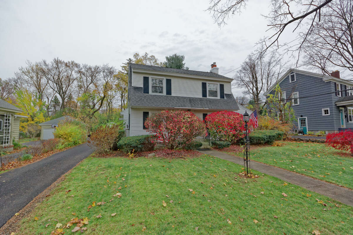 House of the Week: 1071 Teviot Rd., Schenectady | Realtor: Kevin Clancy of Clancy Real Estate | Discuss: Talk about this house