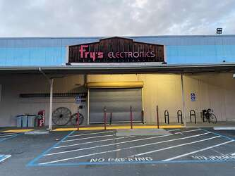 Is Fry S Electronics In Trouble Company Denies It But Empty Shelves Tell Story