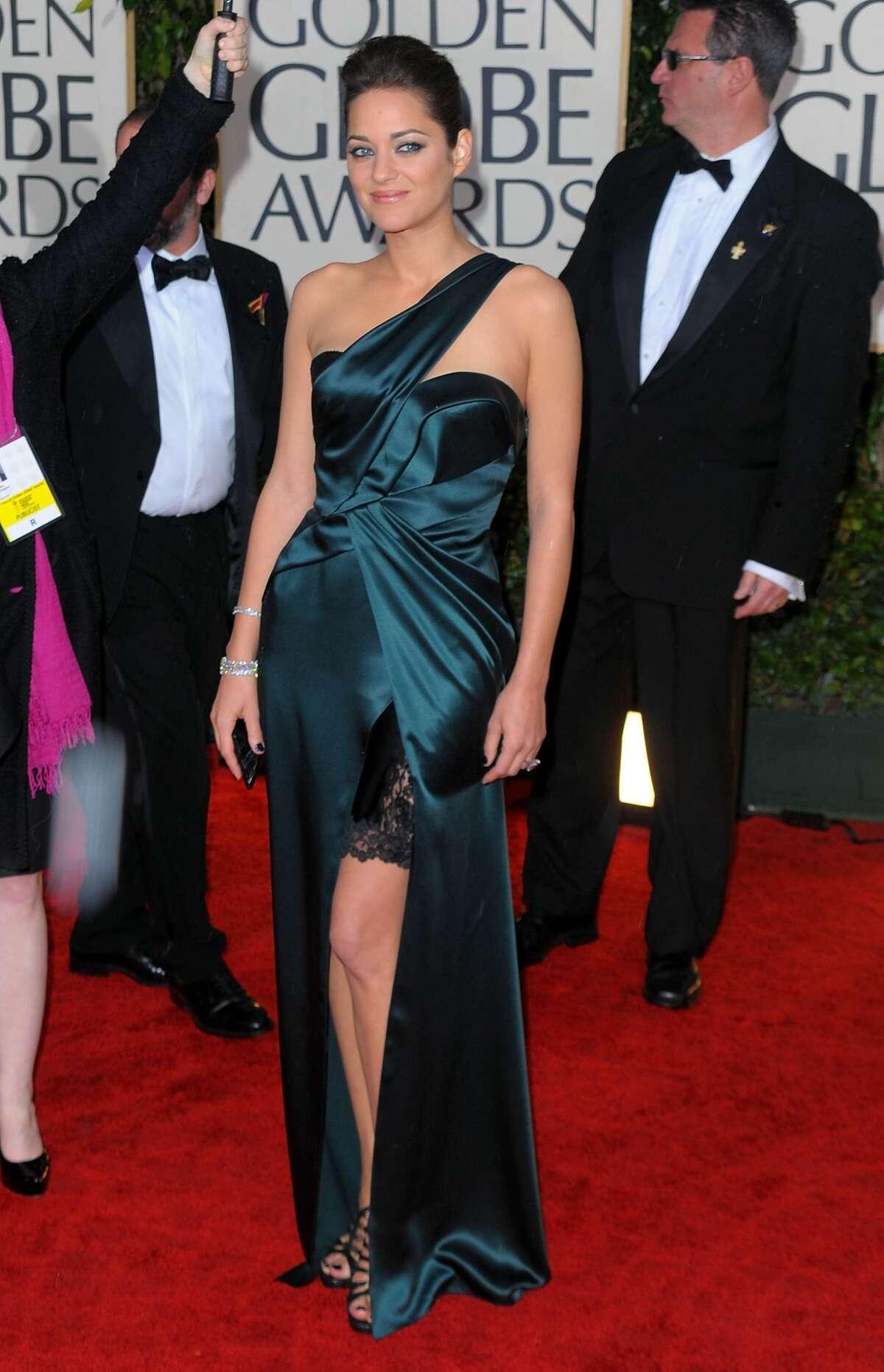 2010: Marion Cotillard in Christian Dior.