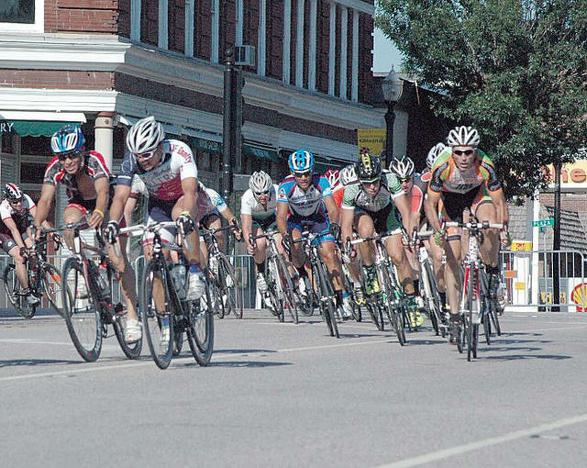 Riders in the 2011 Edwardsville Rotary Criterium make the turn onto Vandalia from Main Street.