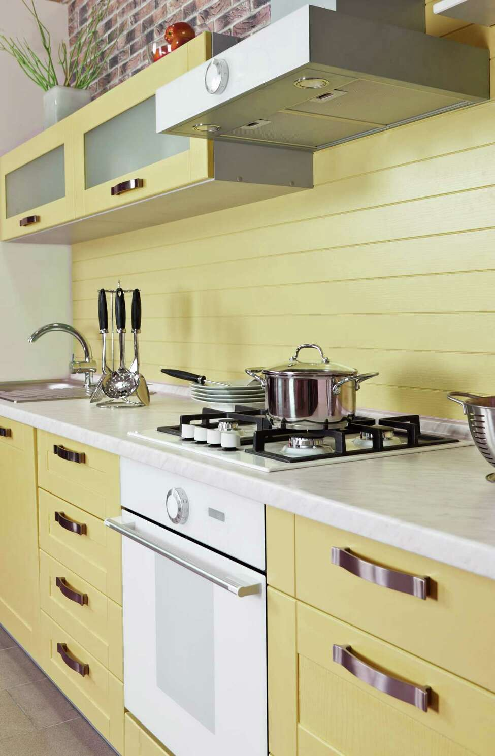 Goodbye white kitchen, hello colors.