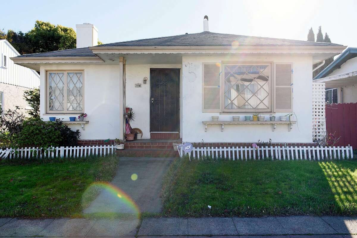 The duplex home of Dorothy DeBose and her nephew, Omar Taylor, in Oakland, CA, on Tuesday December 5, 2017.