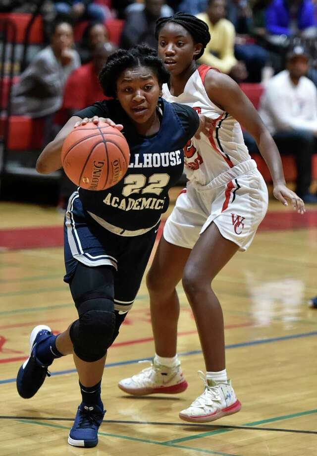 New Haven, Connecticut - Friday, January 3, 2020: Wilbur Cross H.S. girls basketball vs. Hillhouse H.S. Friday at Wilbur Cross H.S. in New Haven. Photo: Peter Hvizdak / Hearst Connecticut Media / New Haven Register