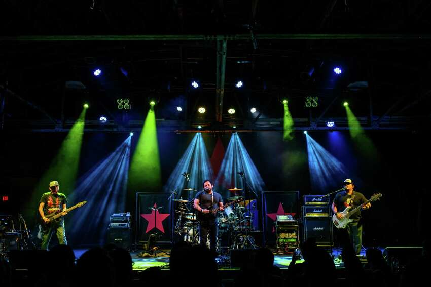 Deft-Ones perform at Warehouse Live near downtown Houston on Friday, January 3, 2020