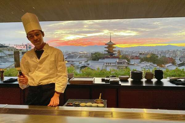 Astunningly delicious dinner and view atYasakainthe 70-room ParkHyattKyoto which opened in late 2019. Wow!
