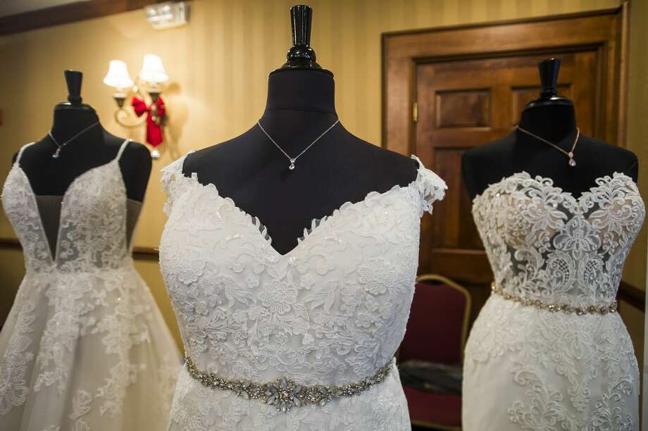 Hundreds of people attend a bridal expo hosted by Bride Guide Shows Saturday, Jan. 4, 2020 at Bay Valley Resort and Conference Center in Bay City. (Katy Kildee/kkildee@mdn.net) Photo: (Katy Kildee/kkildee@mdn.net)