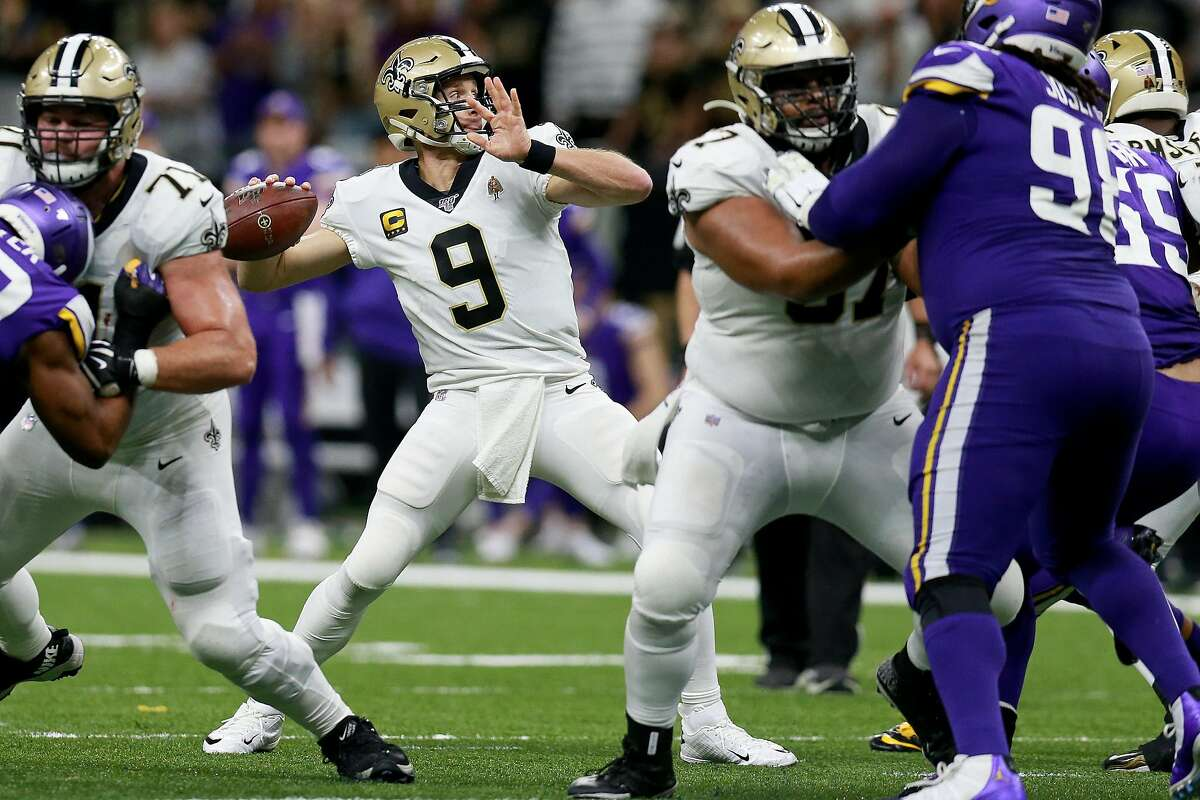 NEW ORLEANS, LOUISIANA - JANUARY 05: Drew Brees #9 of the New Orleans Saints passes against the Minnesota Vikings in the NFC Wild Card Playoff game at Mercedes Benz Superdome on January 05, 2020 in New Orleans, Louisiana. (Photo by Sean Gardner/Getty Images)