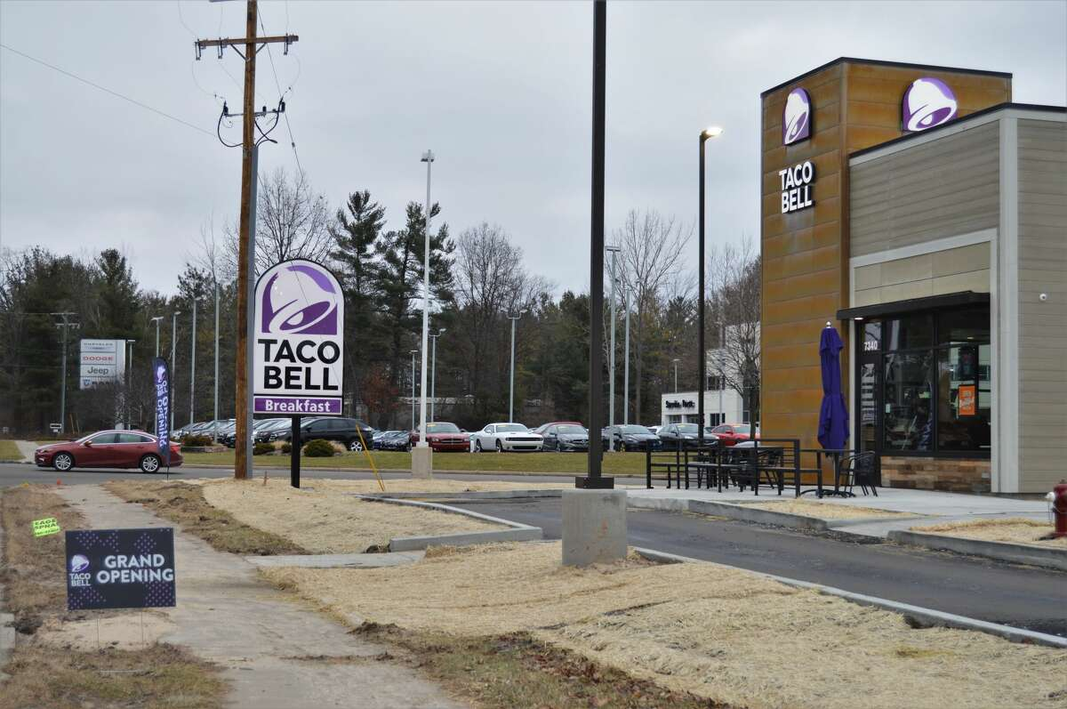 The new Taco Bell, located at 6800 Eastman Avenue, opened Jan. 1. The drive thru hours are 7 a.m. to 2 a.m. Monday through Thursday and Sunday, and 7 a.m. to 3 a.m. on Friday and Saturday. The lobby closes at 10 p.m. each night. (Ashley Schafer/Ashley.Schafer@hearstnp.com)