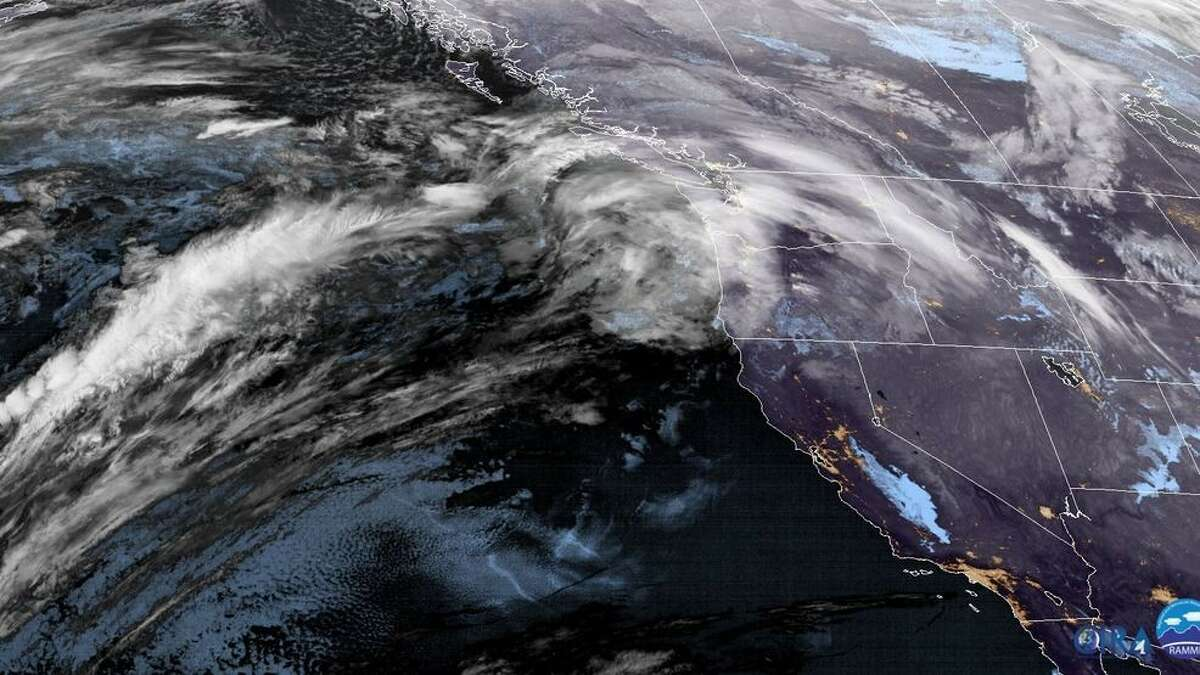 Satellite image shows a warm front heading into Western Washington on Jan. 6, 2020. (NOAA Image)