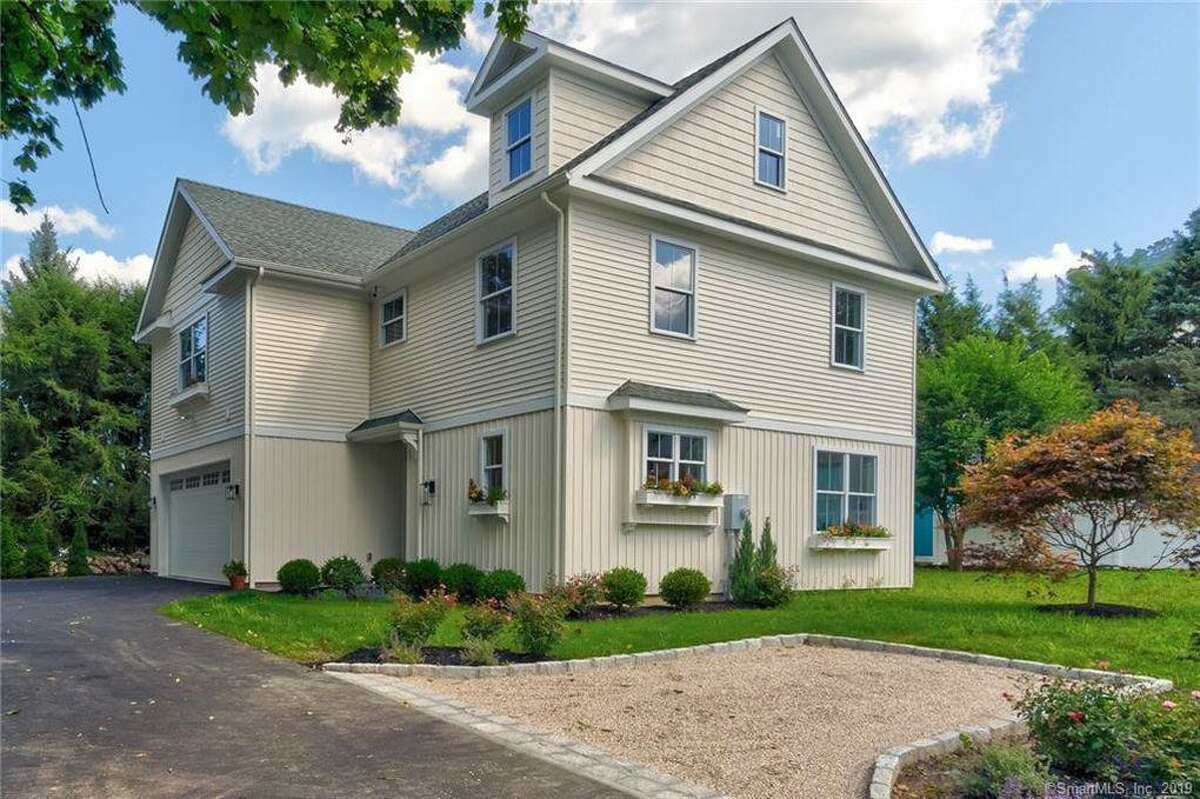 158 High Ridge Avenue in Ridgefield sold for $875,000 before the end of 2019.