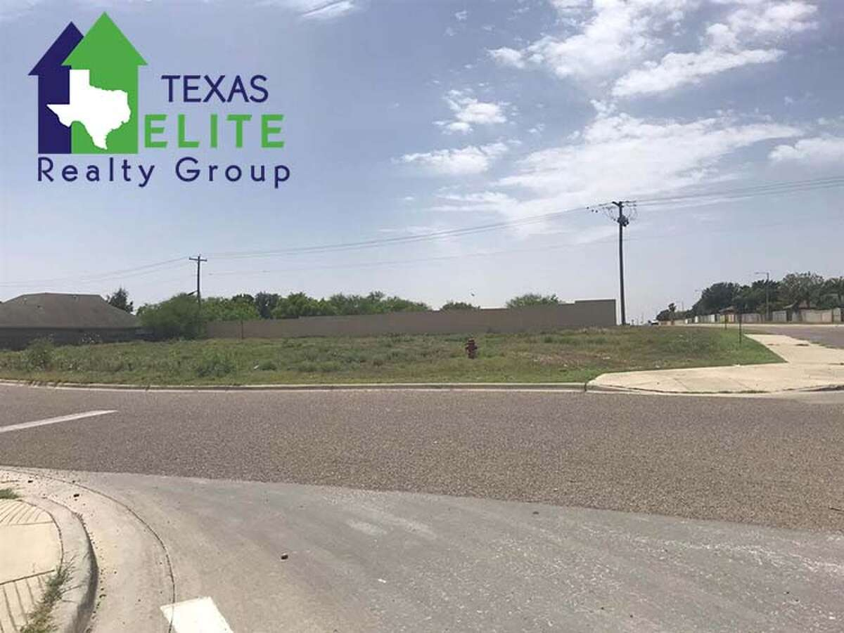 Snow Falls Dr Click the address for more information Corner Lot on Shiloh Ernie Rendon: (956) 286-6692, ernie@txeliterealty.com