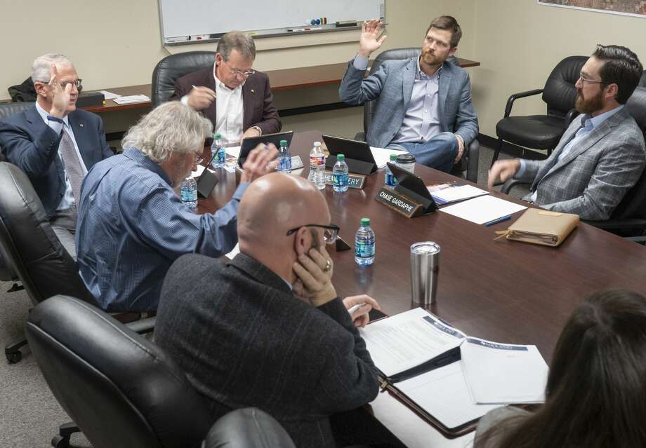 Members of the MDC board vote unanimously to continue with a contract for Kepler Aerospace to utilize space and equipment at the Midland Air and Space Port 01/06/20 during the January meeting at city hall. Tim Fischer/Reporter-Telegram Photo: Tim Fischer/Midland Reporter-Telegram