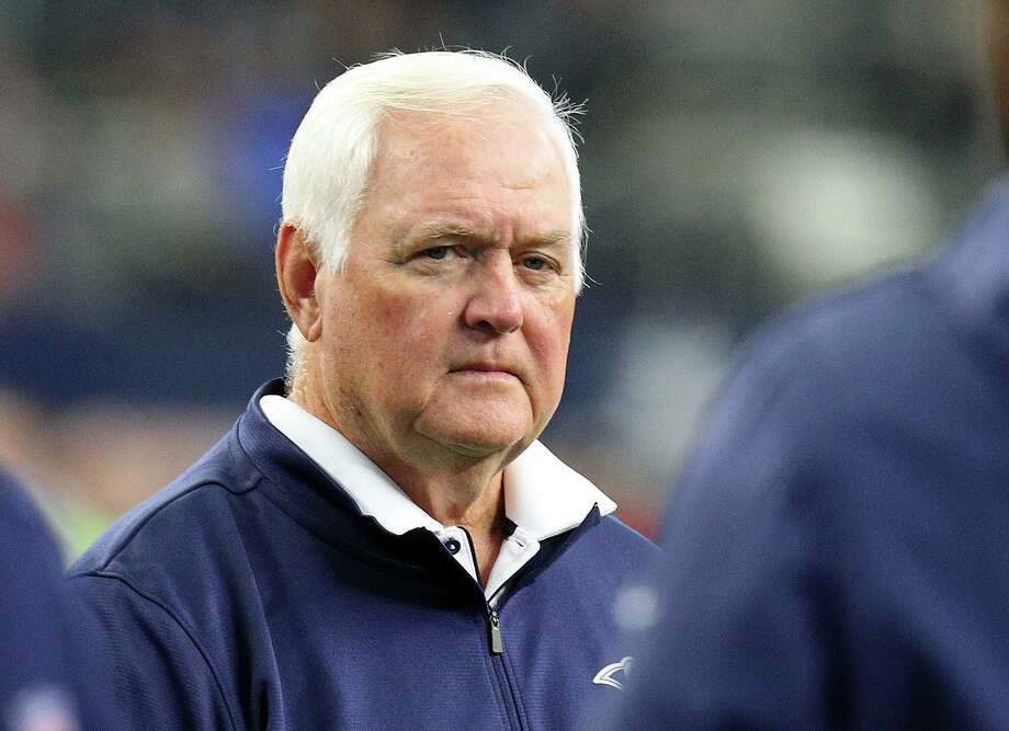 ARLINGTON, TEXAS - DECEMBER 15: Los Angeles Rams defensive coordinator Wade Phillips stands on the field prior to the game against the Dallas Cowboys at AT&T Stadium on December 15, 2019 in Arlington, Texas. (Photo by Richard Rodriguez/Getty Images) Photo: Richard Rodriguez, Stringer / Getty Images / 2019 Getty Images